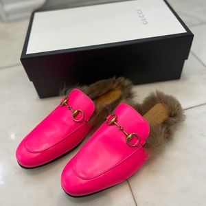 Brand new Gucci Princetown loafers in hot pink!